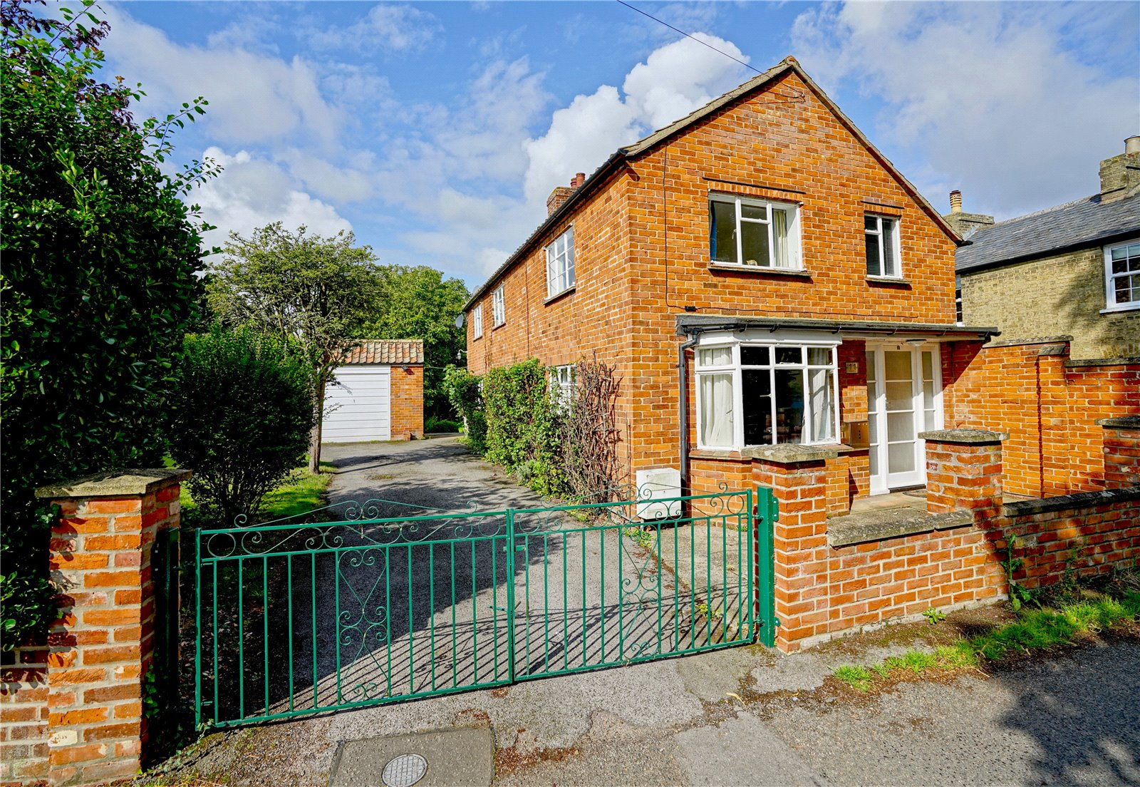 4 bed house for sale in Buckden 13