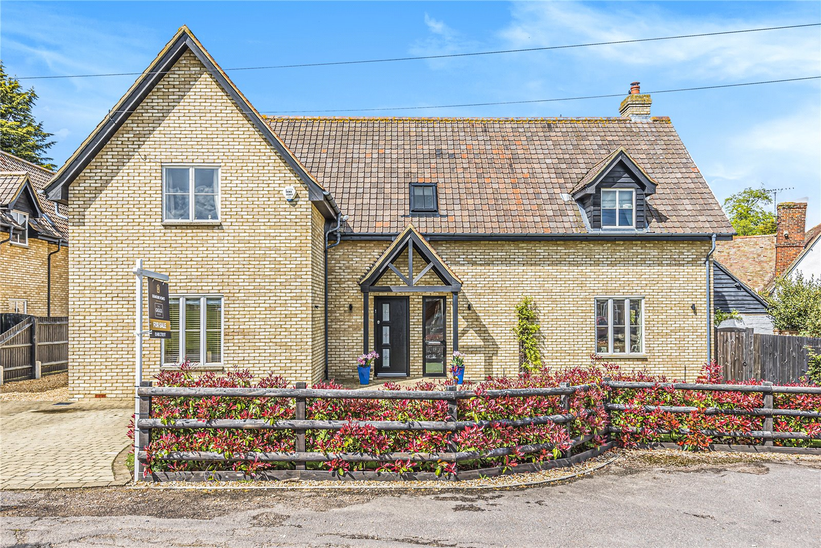 5 bed house for sale in Ford Lane, Roxton - Property Image 1