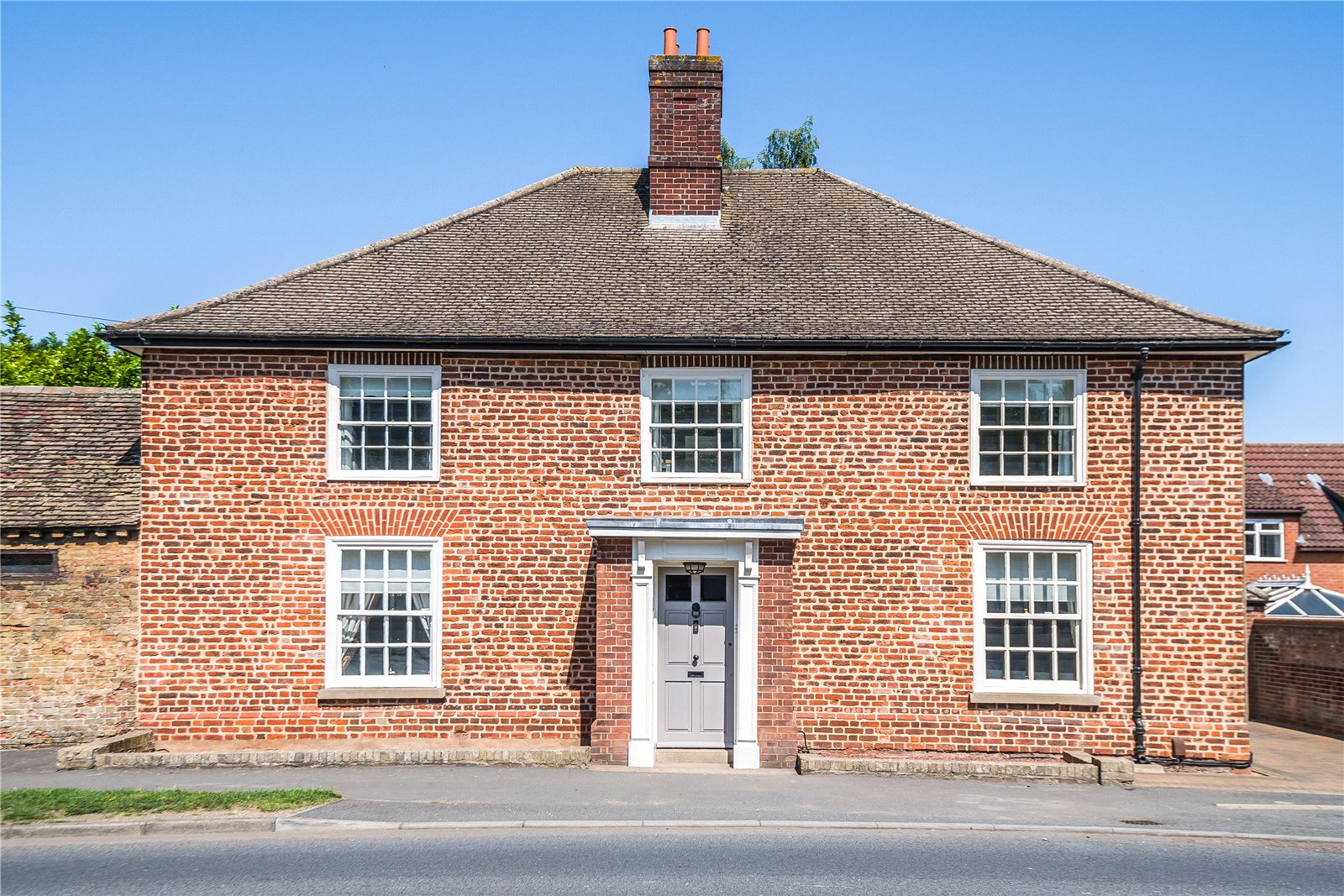 4 bed house for sale in Main Street, Hartford 0