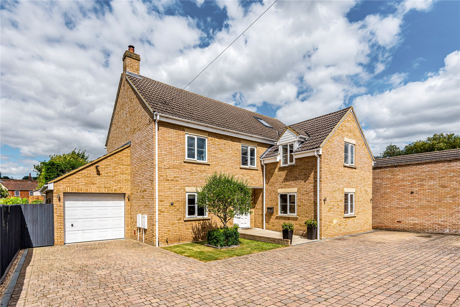 5 bed house for sale in Hunts End, Buckden  - Property Image 1