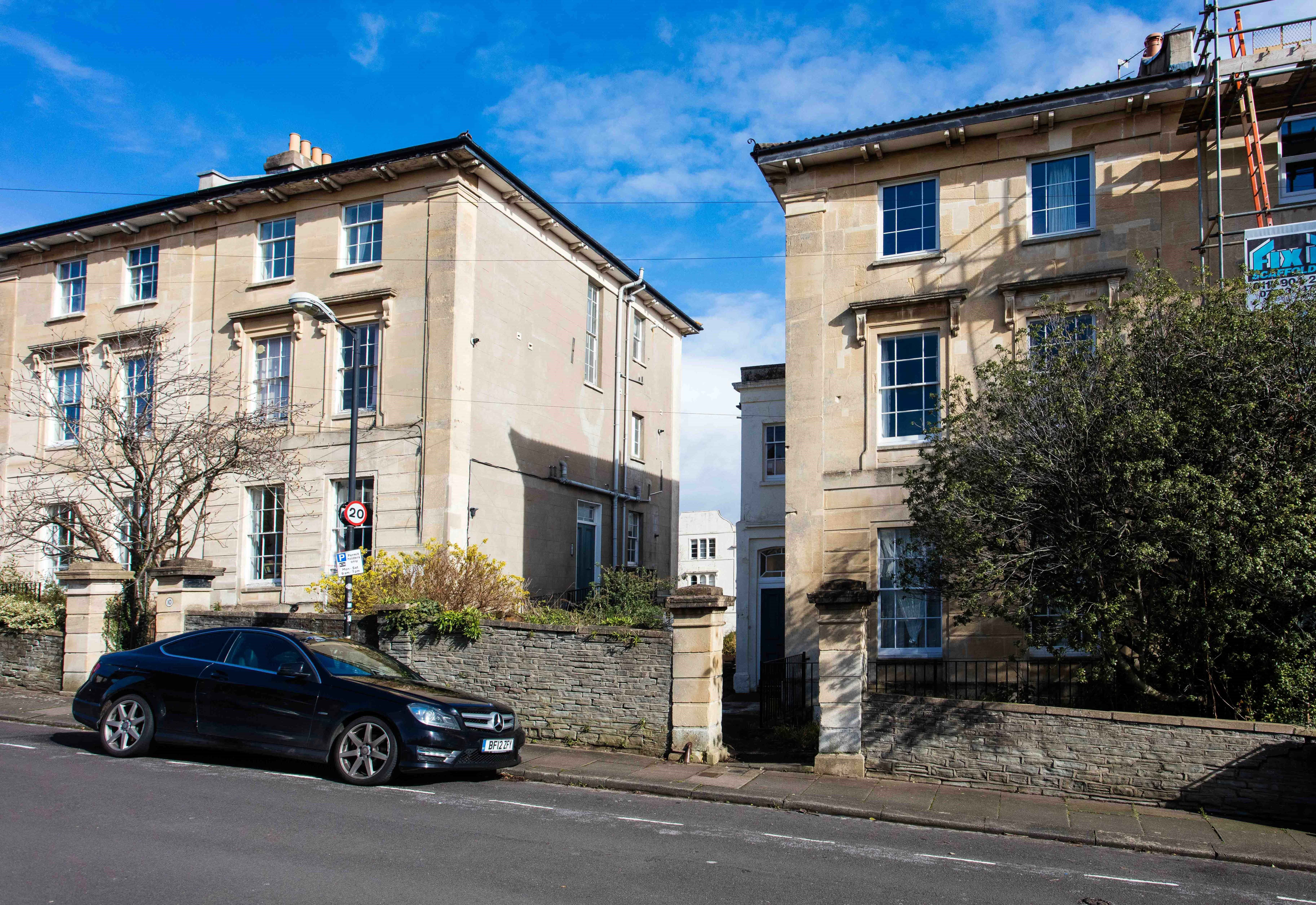 2 bed flat to rent in Victoria Walk, Cotham, BS6