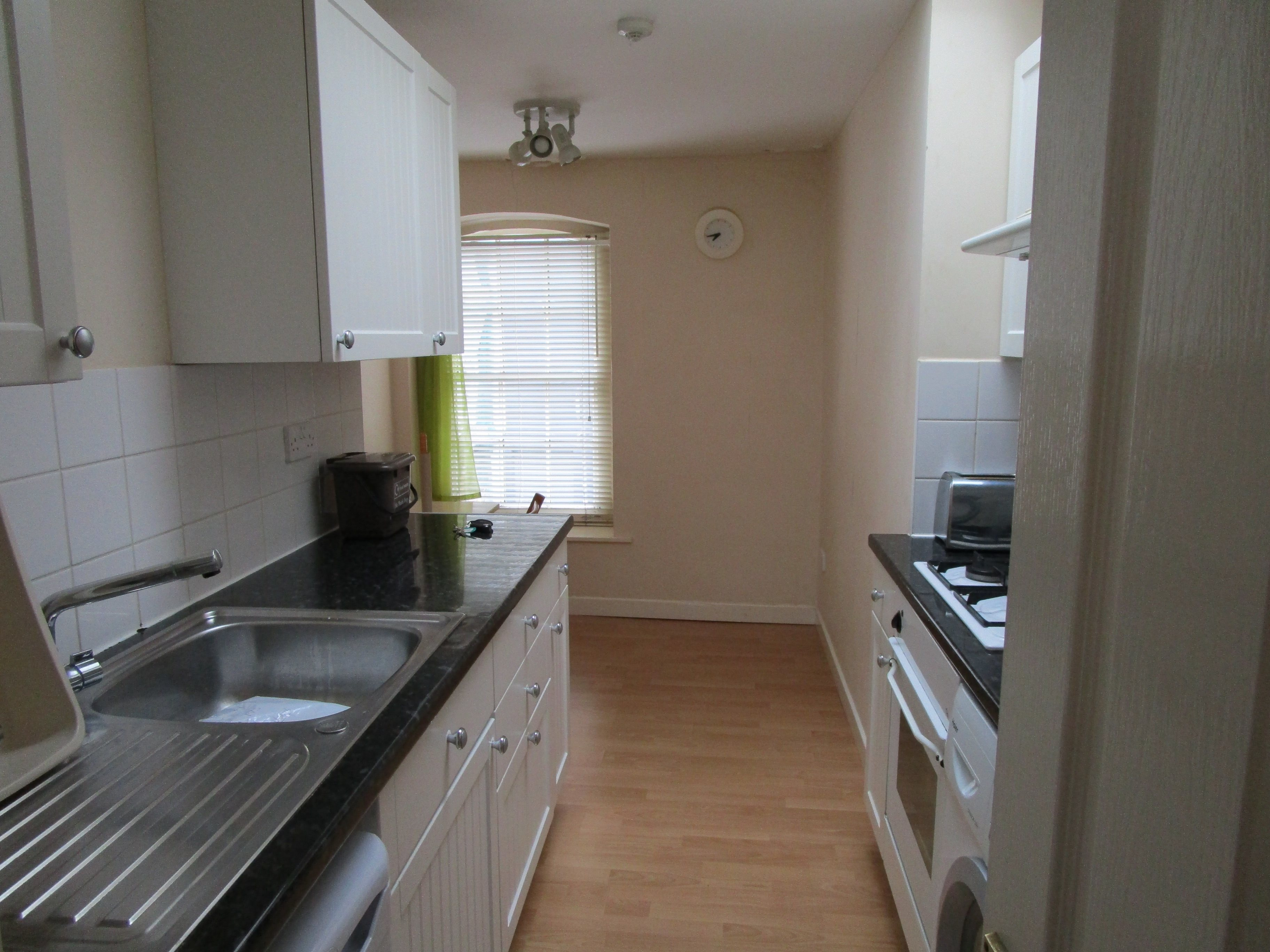 3 bed flat to rent in Princess Victoria Street, Clifton 0