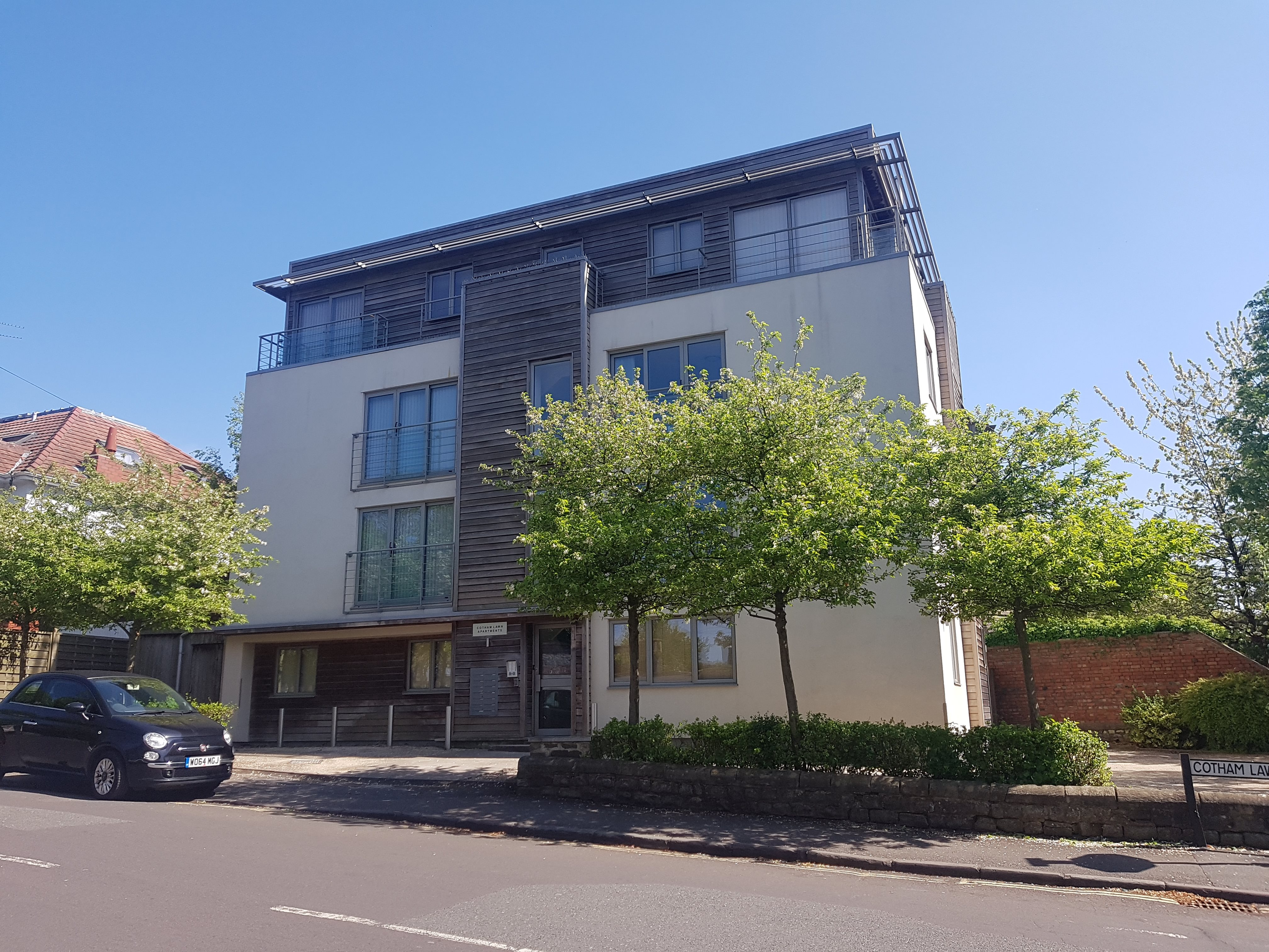Studio-flat to rent in Cotham Lawn Road, Cotham, BS6