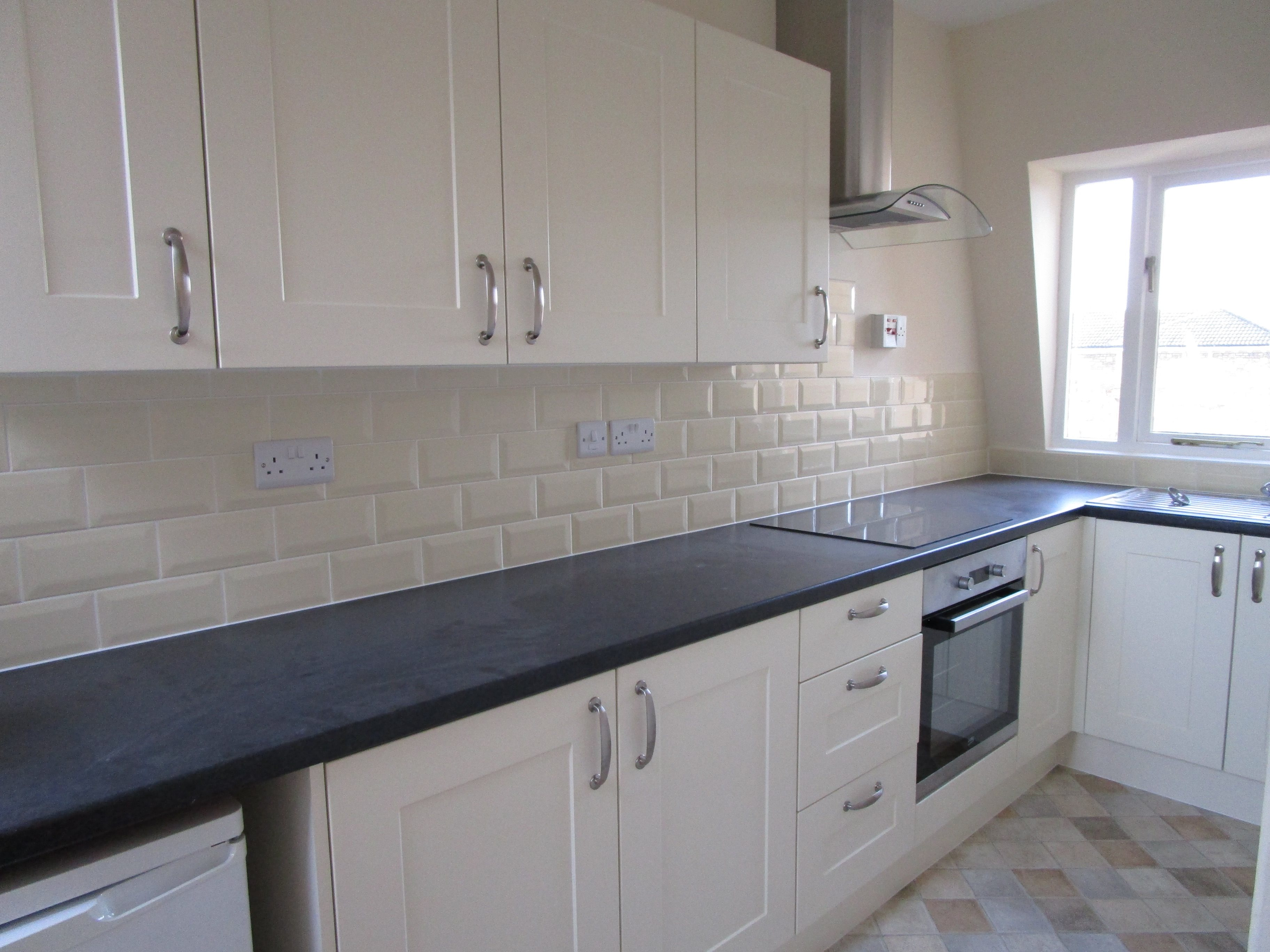 2 bed flat to rent in Apsley Road, Clifton, BS8