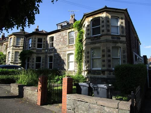 Flat to rent in Redland, BS6