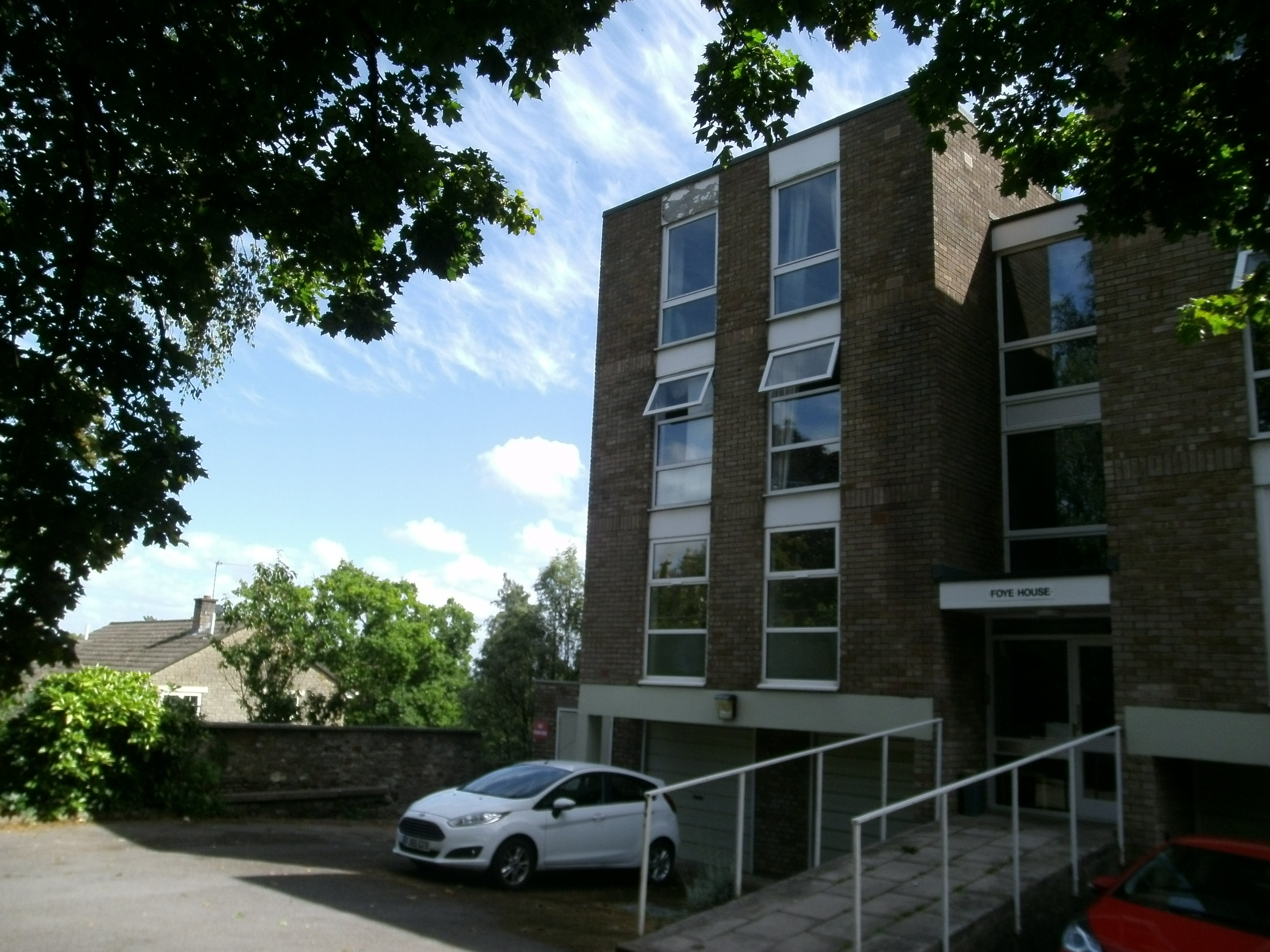 2 bed flat for sale in Bridge Road, Leigh Woods  - Property Image 1