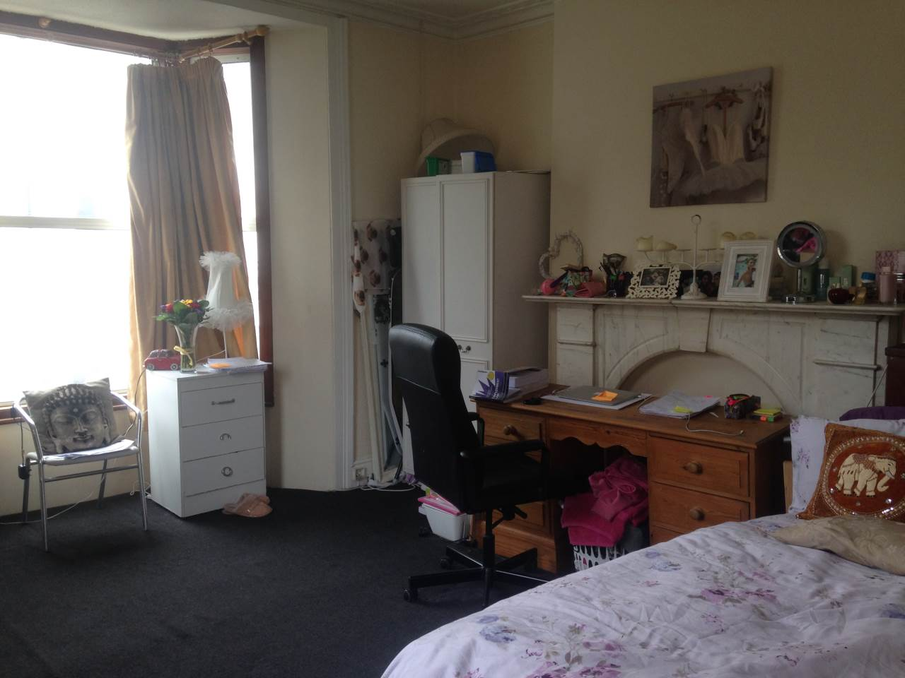 3 bed flat to rent in Montpelier Place, Hove 0