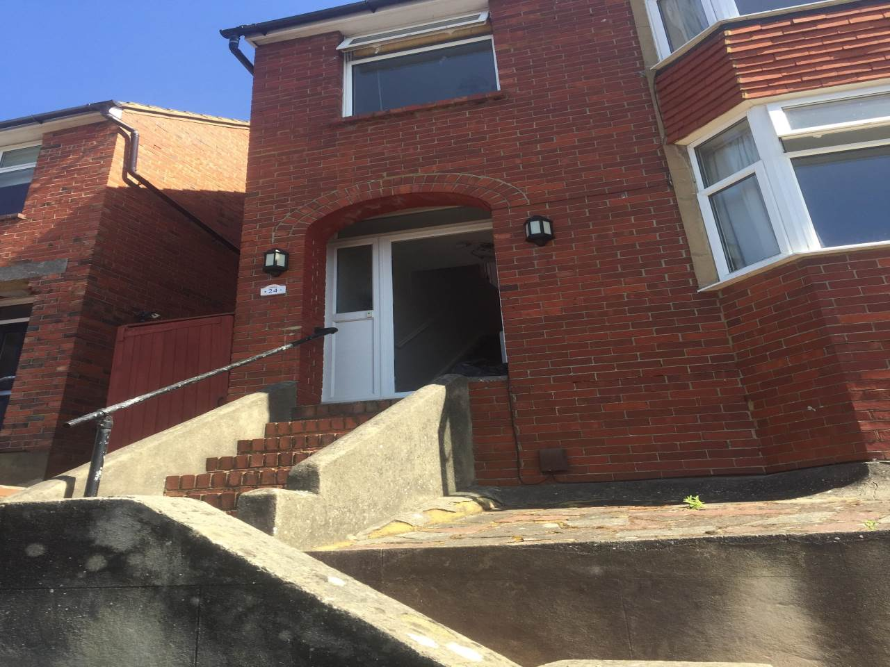 4 bed terraced house to rent in 24  Dudley Road Brighton BN1 7GN 0