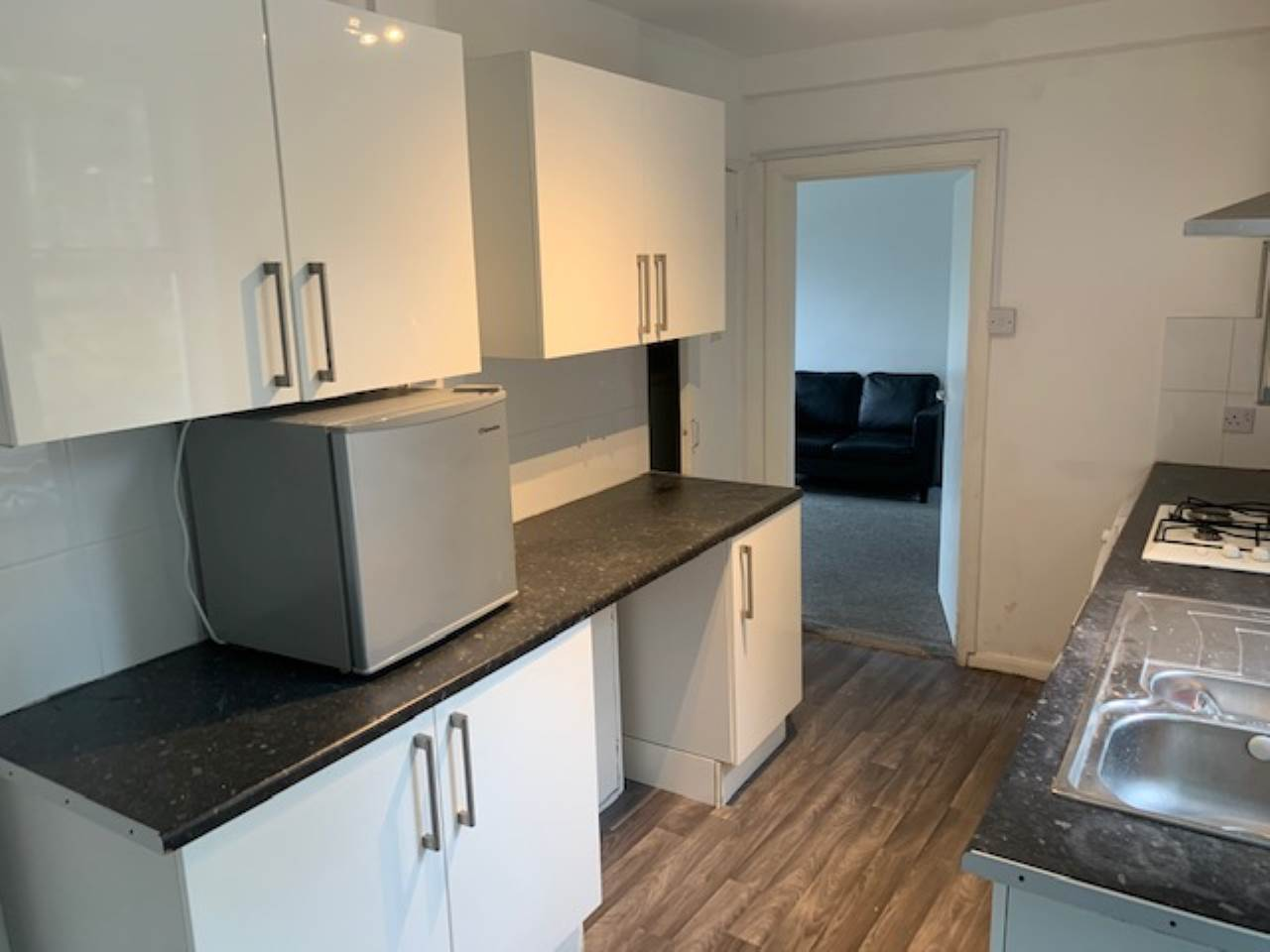 5 bed house to rent in The High Way - Property Image 1