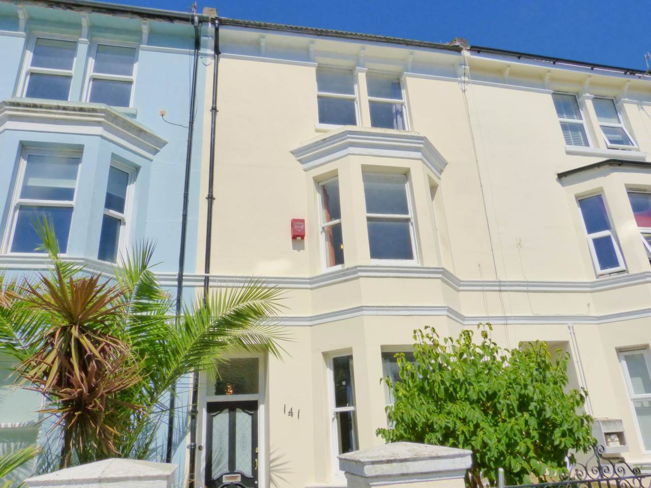 6 bed house to rent in 145 Queens Park Road BN2 0GH  - Property Image 1