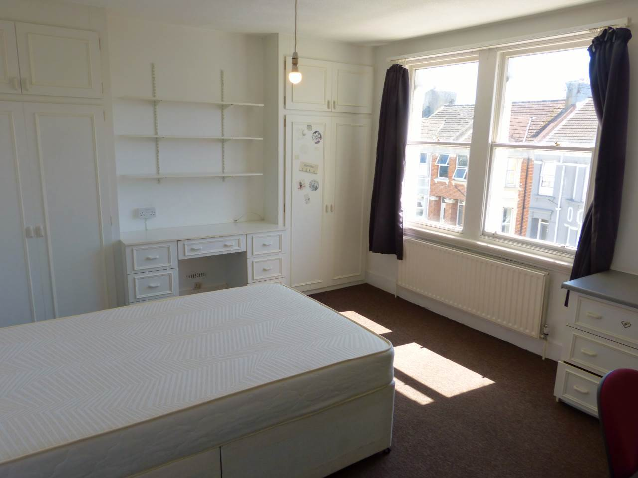 6 bed house to rent in Queens Park Road, BN2