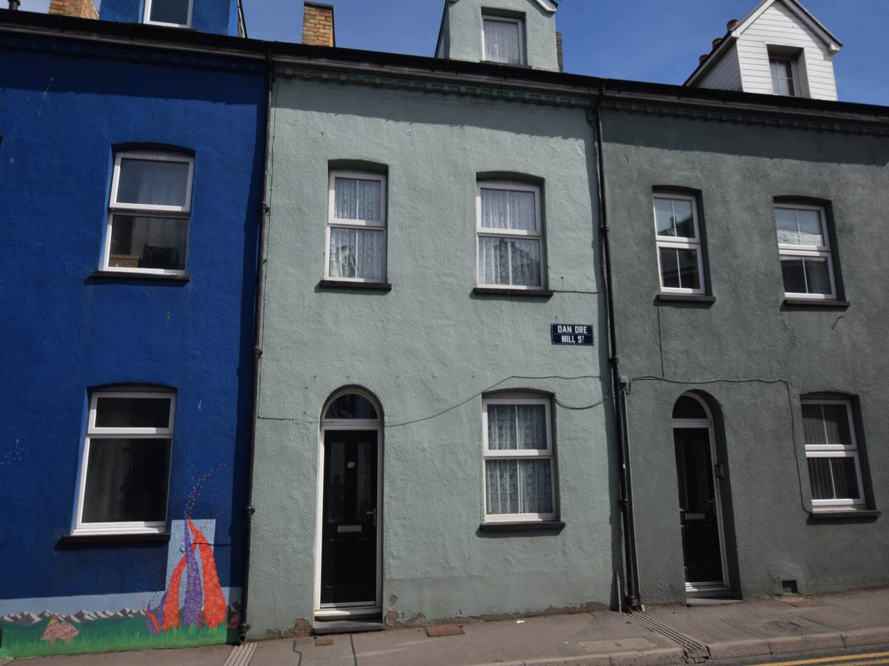 2 bed flat to rent in Mill Street, SY23