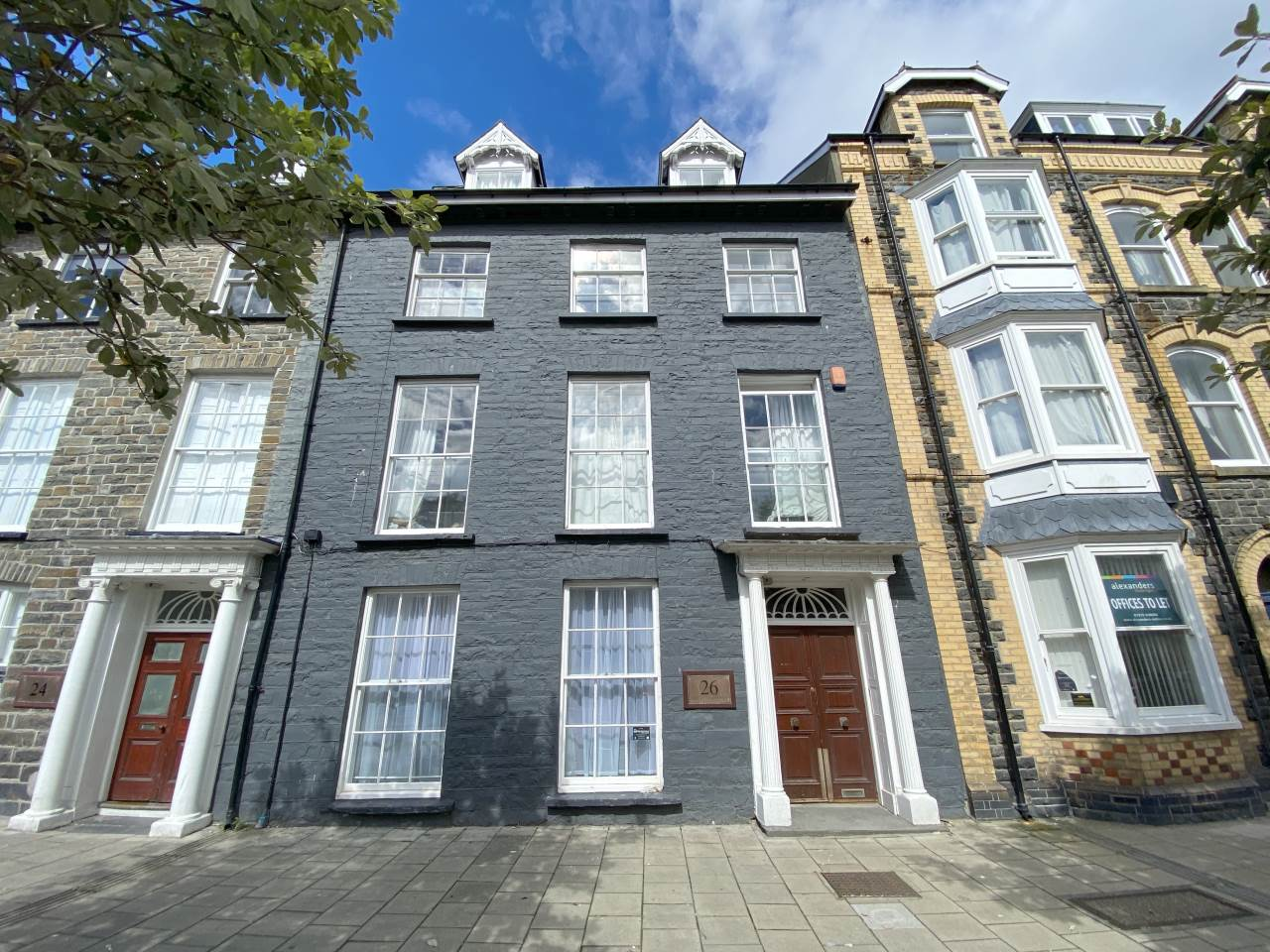 5 bed flat to rent in North Parade, Aberystwyth - Property Image 1