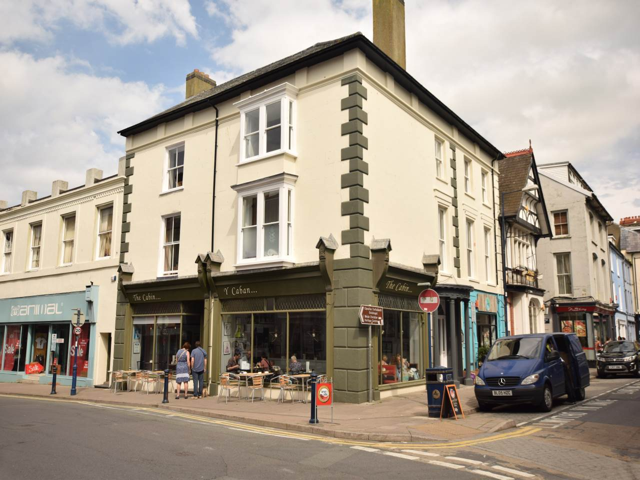2 bed flat to rent in Aberystwyth, SY23