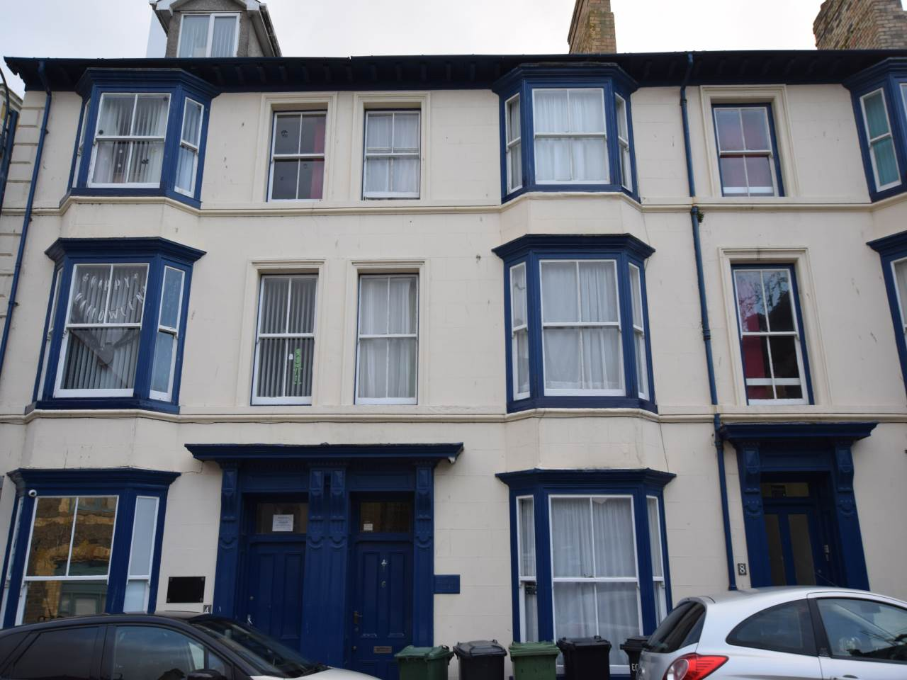 6 bed house to rent in Baker Street, Aberstwyth, SY23