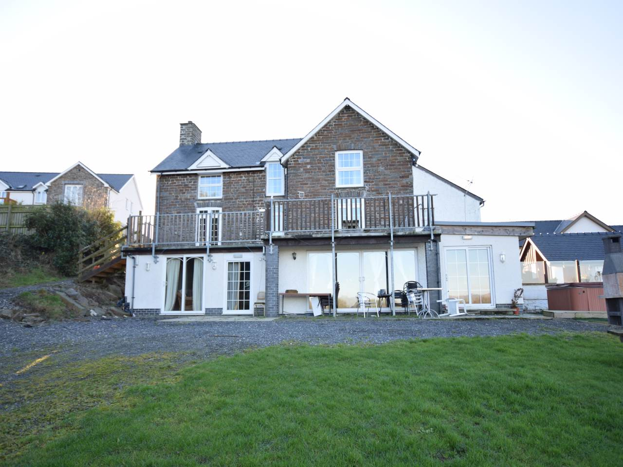 6 bed house to rent in Clarach Road, Aberystwyth - Property Image 1