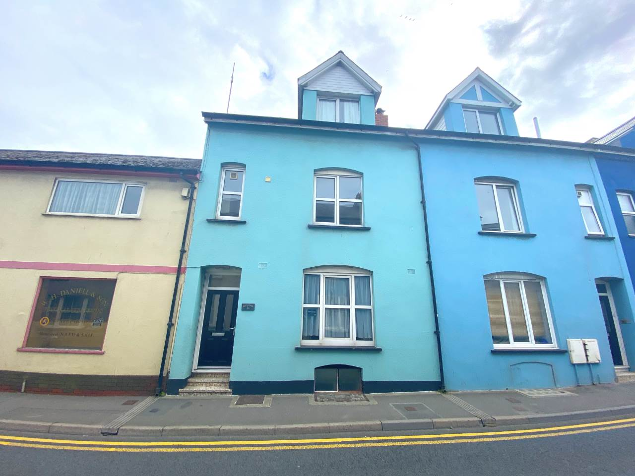 5 bed town house to rent in Mill Street, Aberystwyth, SY23