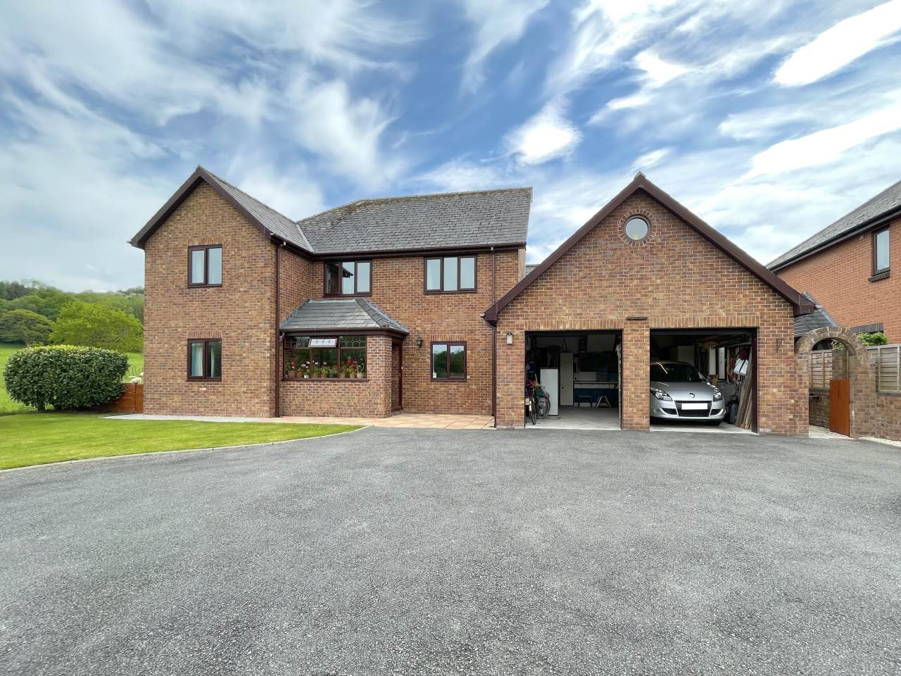 4 bed house for sale in Swn-y-Plant, 1 Troedybryn - Property Image 1