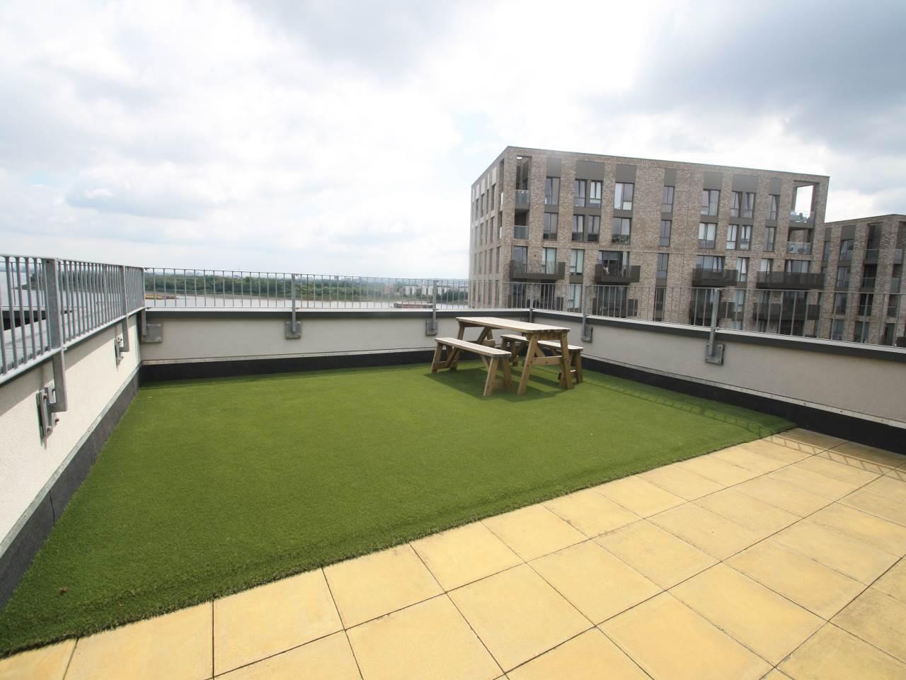 3 bed flat to rent in Magellan Boulevard, Royal Docks, E16