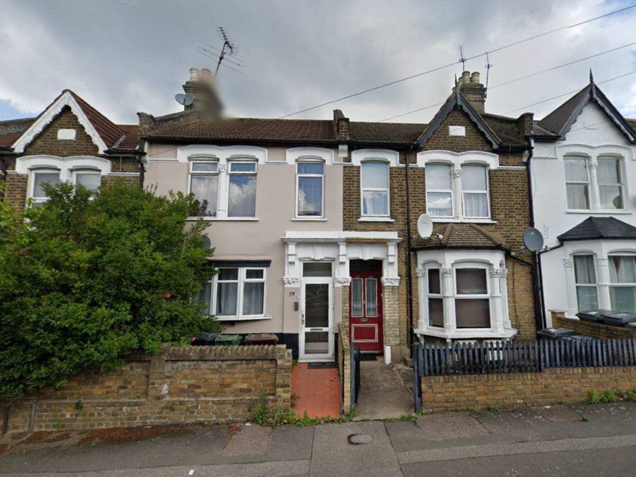 2 bed flat to rent in Cairo Road, Walthamstow, E17