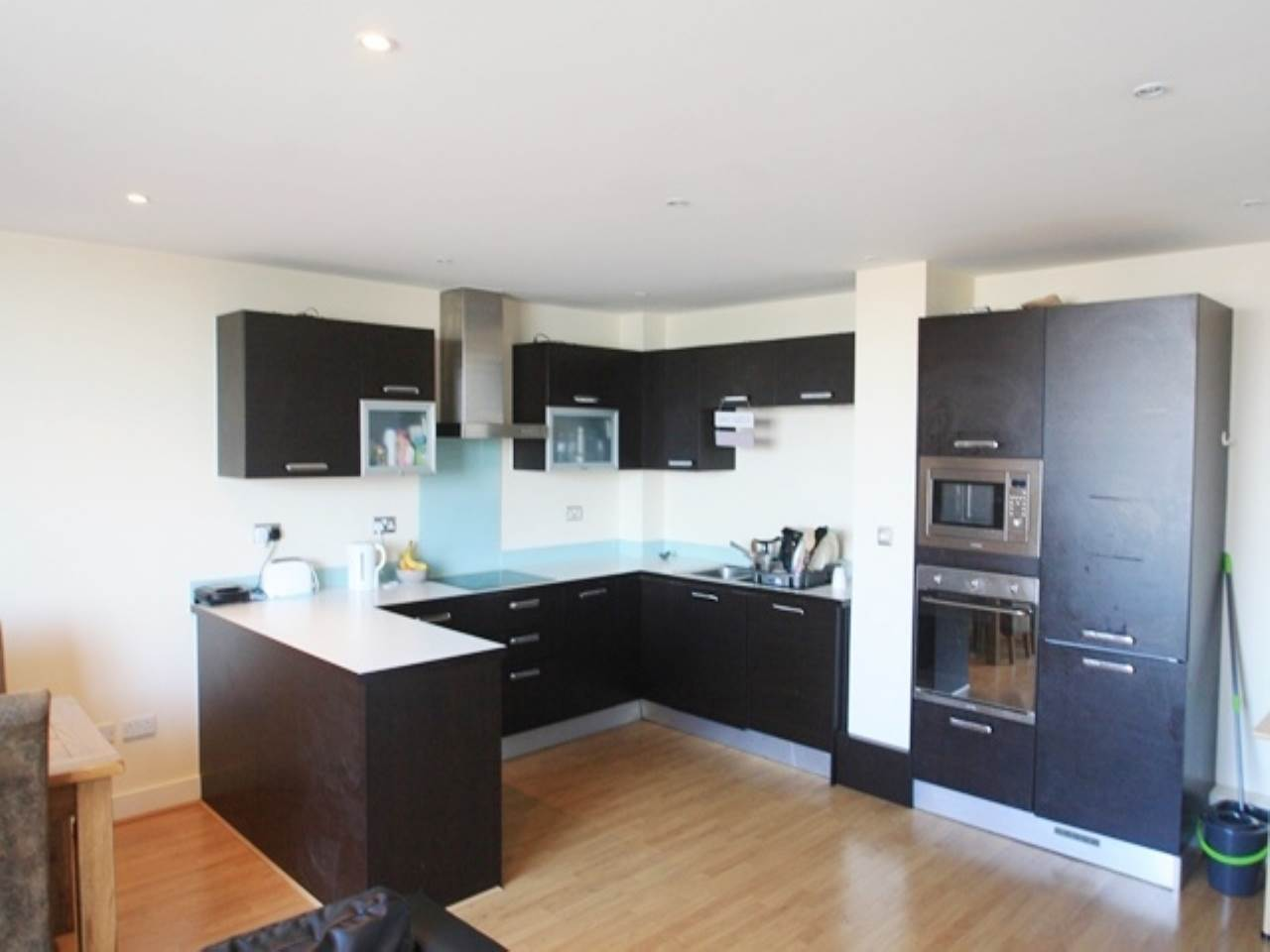 3 bed flat to rent in Royal Docks, E16
