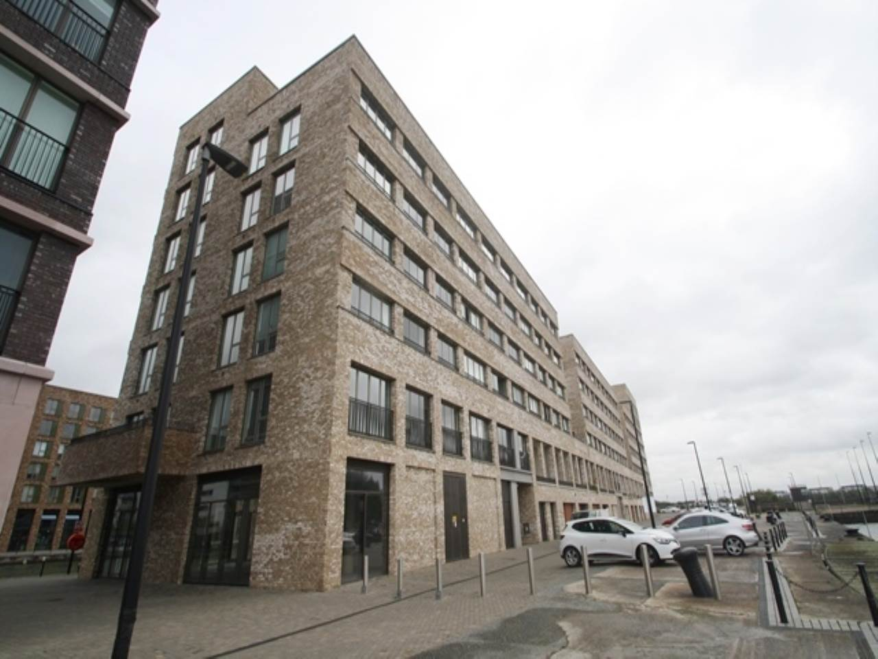 1 bed flat to rent in Rendel Apartments, Lockside Way, E16