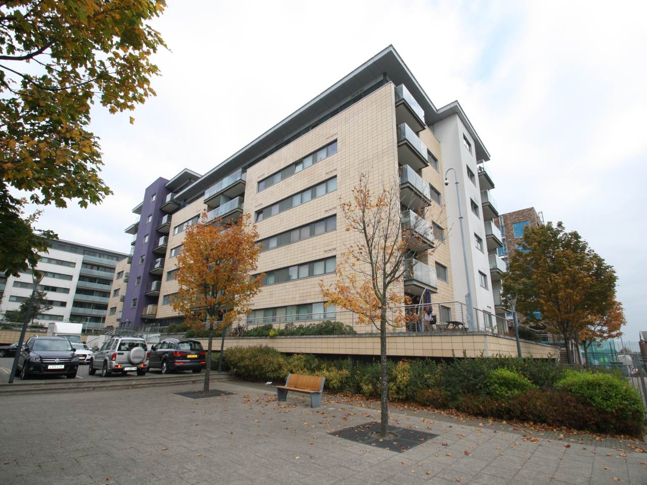 3 bed flat to rent in Albert Basin Way, E16