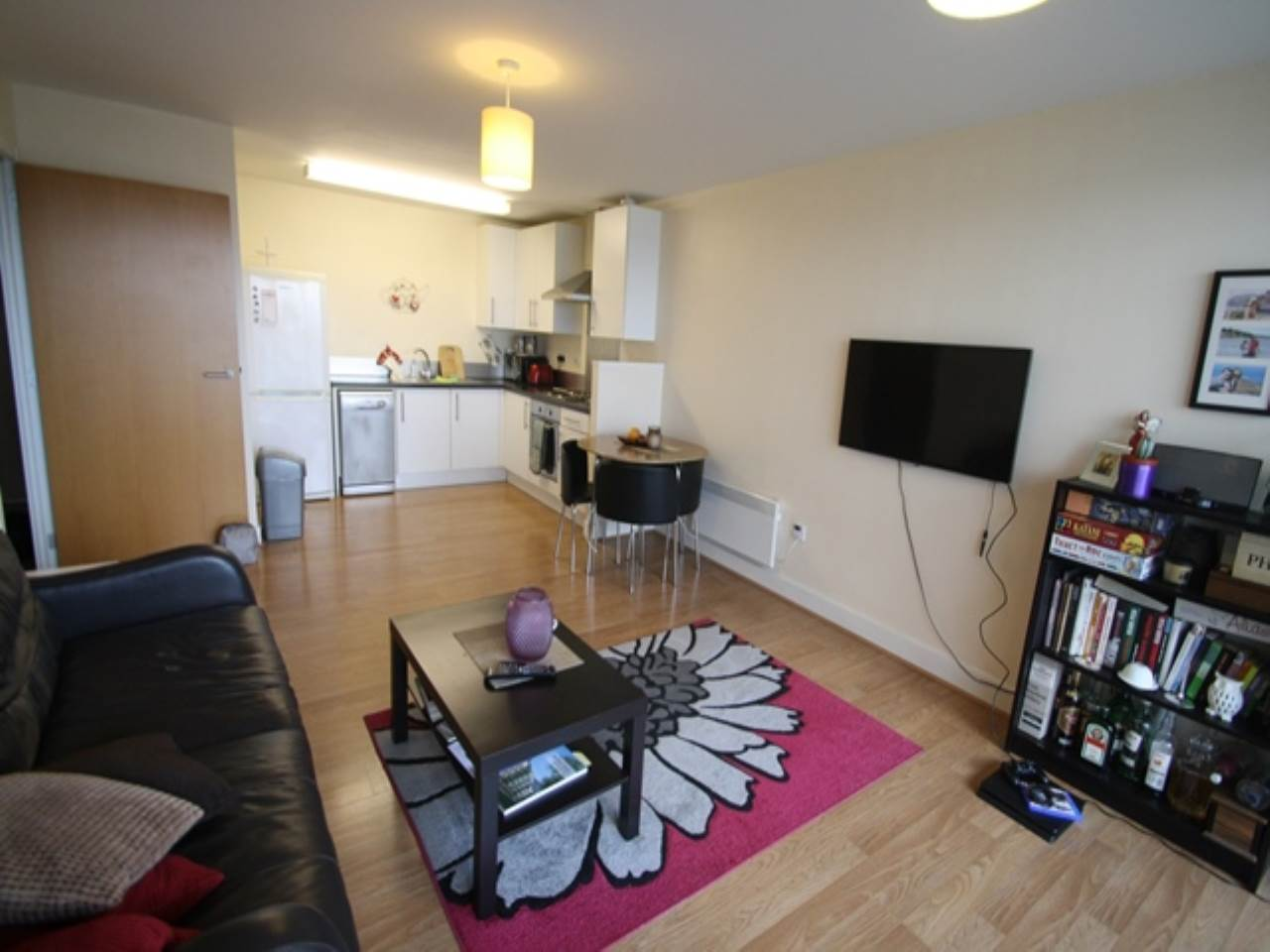 1 bed flat to rent in Gallions Road, E16
