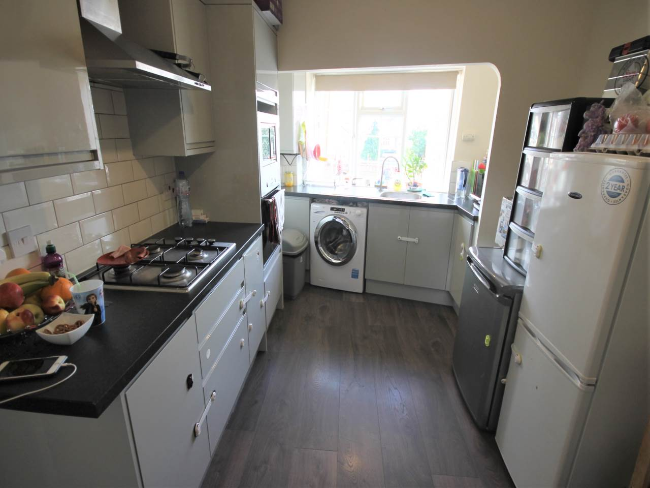 2 bed flat to rent in Chingford, E4