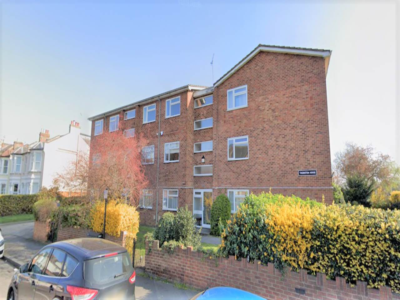 1 bed flat to rent in Addison Road, E11