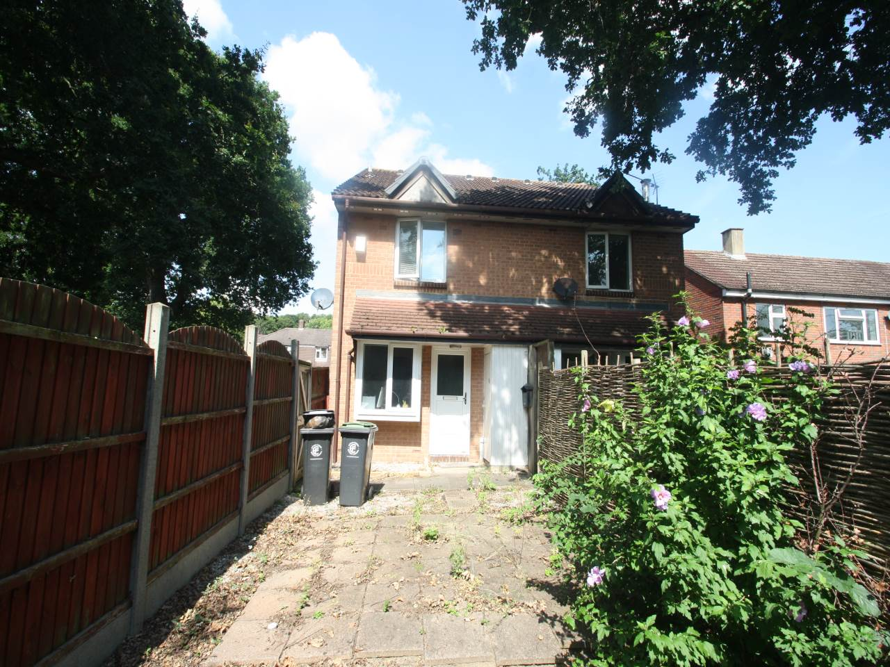 1 bed house to rent in Hereward Green, Loughton, IG10