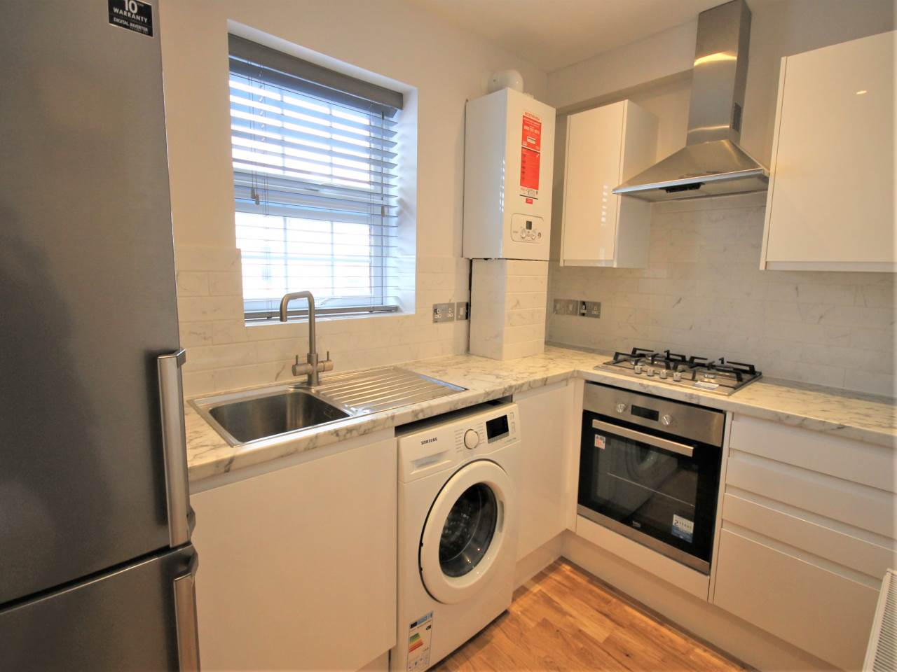 1 bed studio-flat to rent in Chadwell Heath, RM6