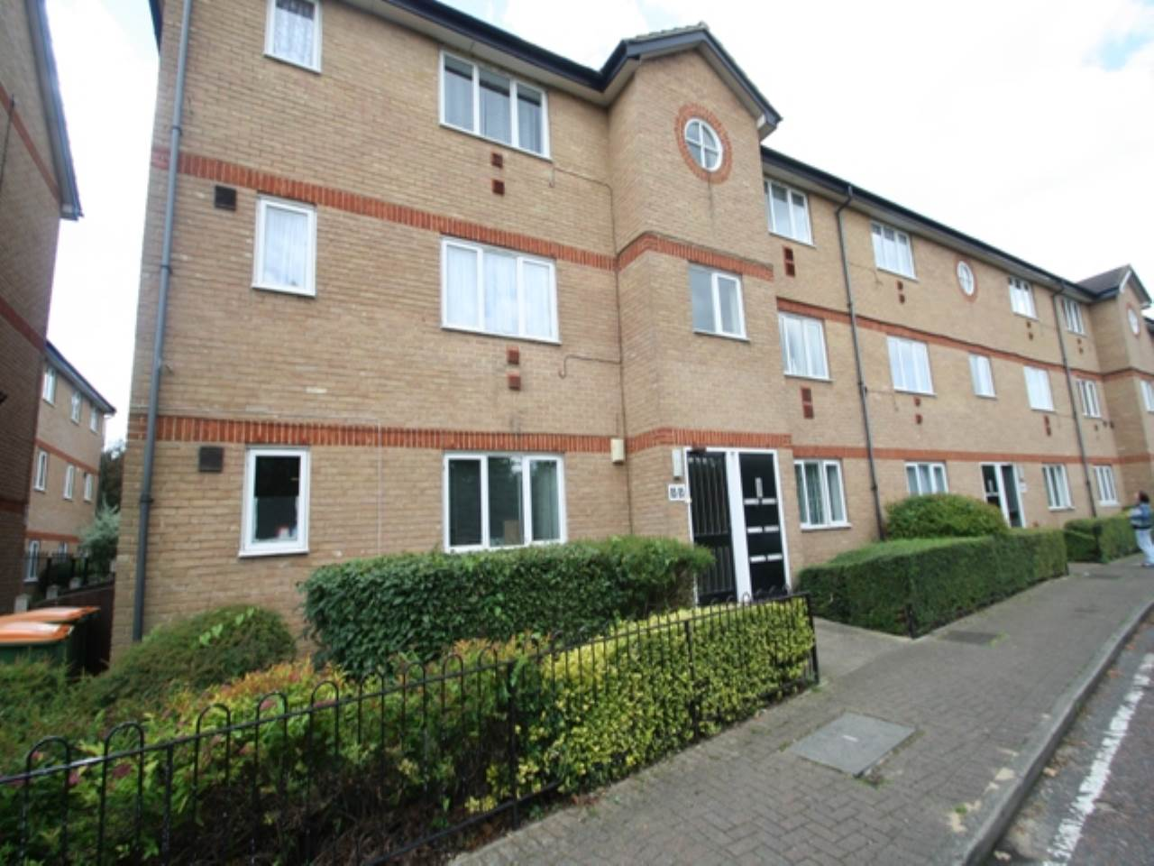 1 bed flat to rent in Beckton, E6