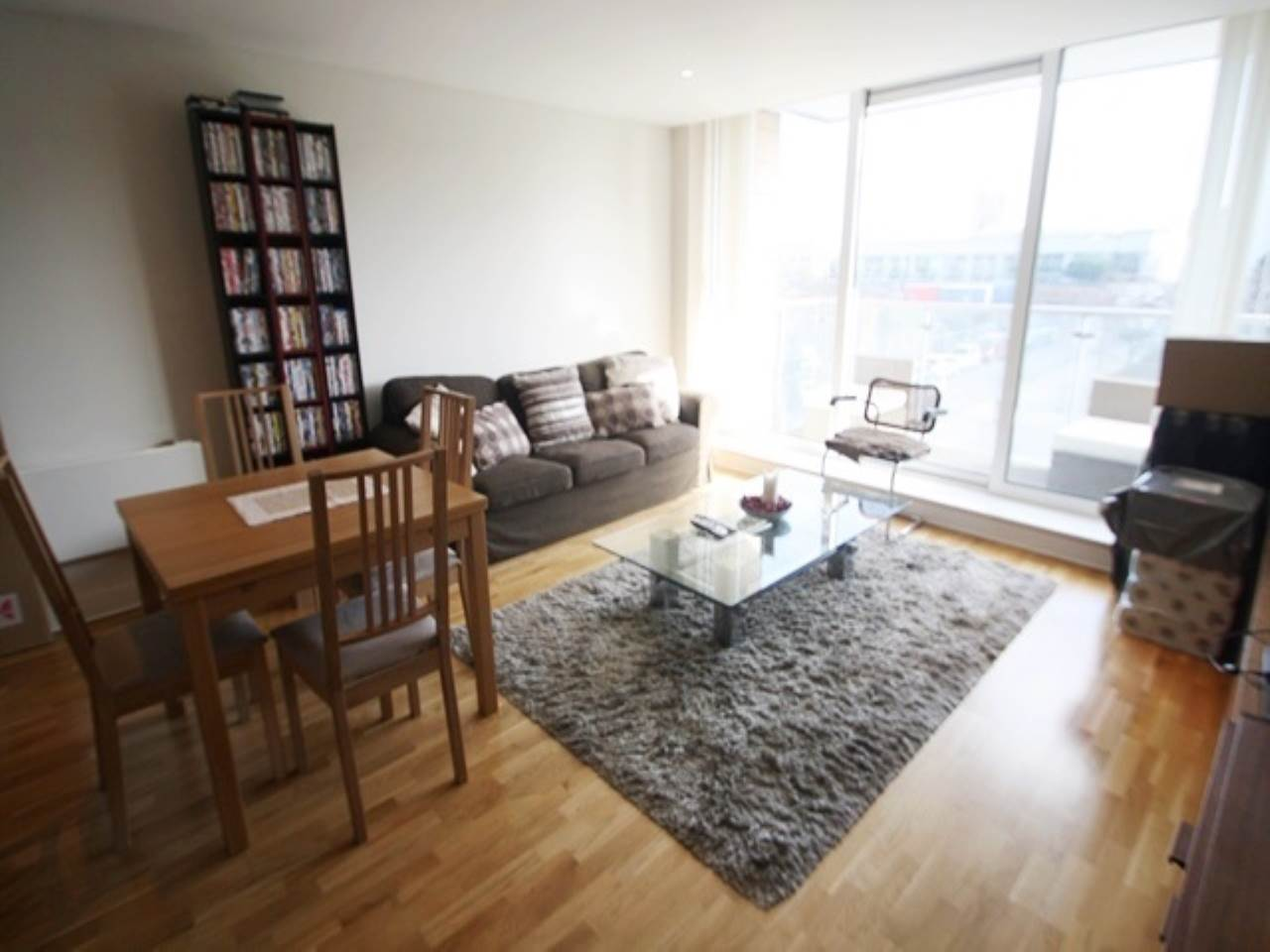 1 bed flat to rent in Basin Approach, E16
