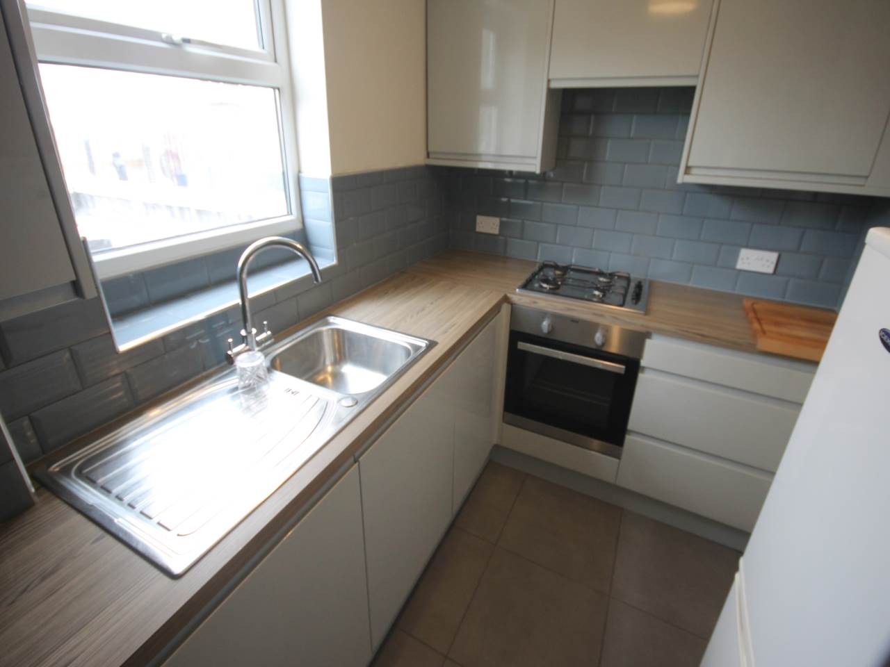3 bed flat to rent in Walthamstow, E17