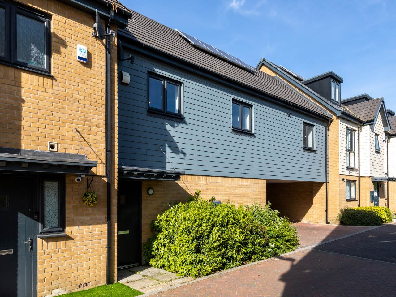 2 bed flat to rent in Woodford Green 0