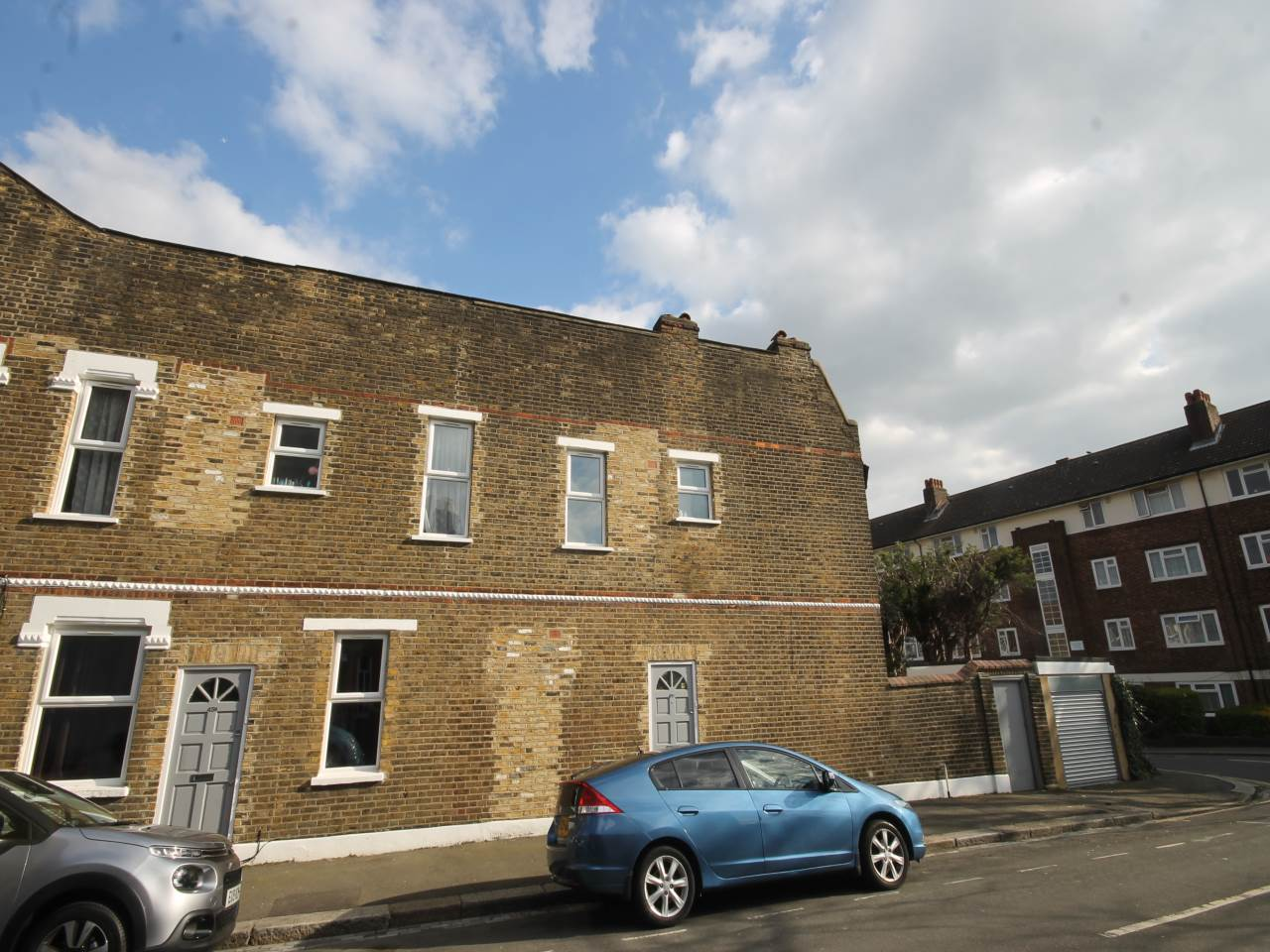 2 bed flat to rent in Leytonstone, E11