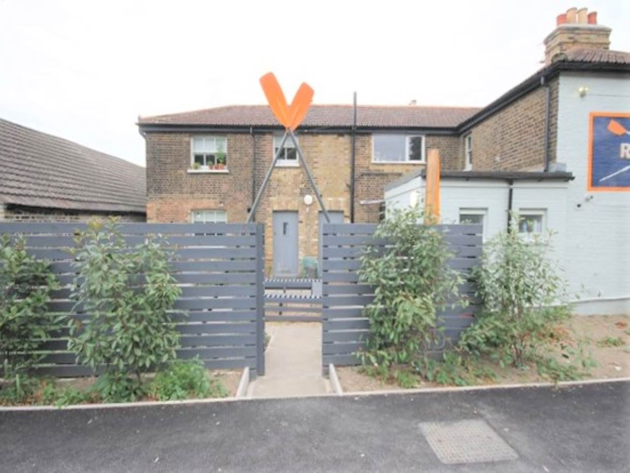 1 bed flat to rent in Spring Hill, E5