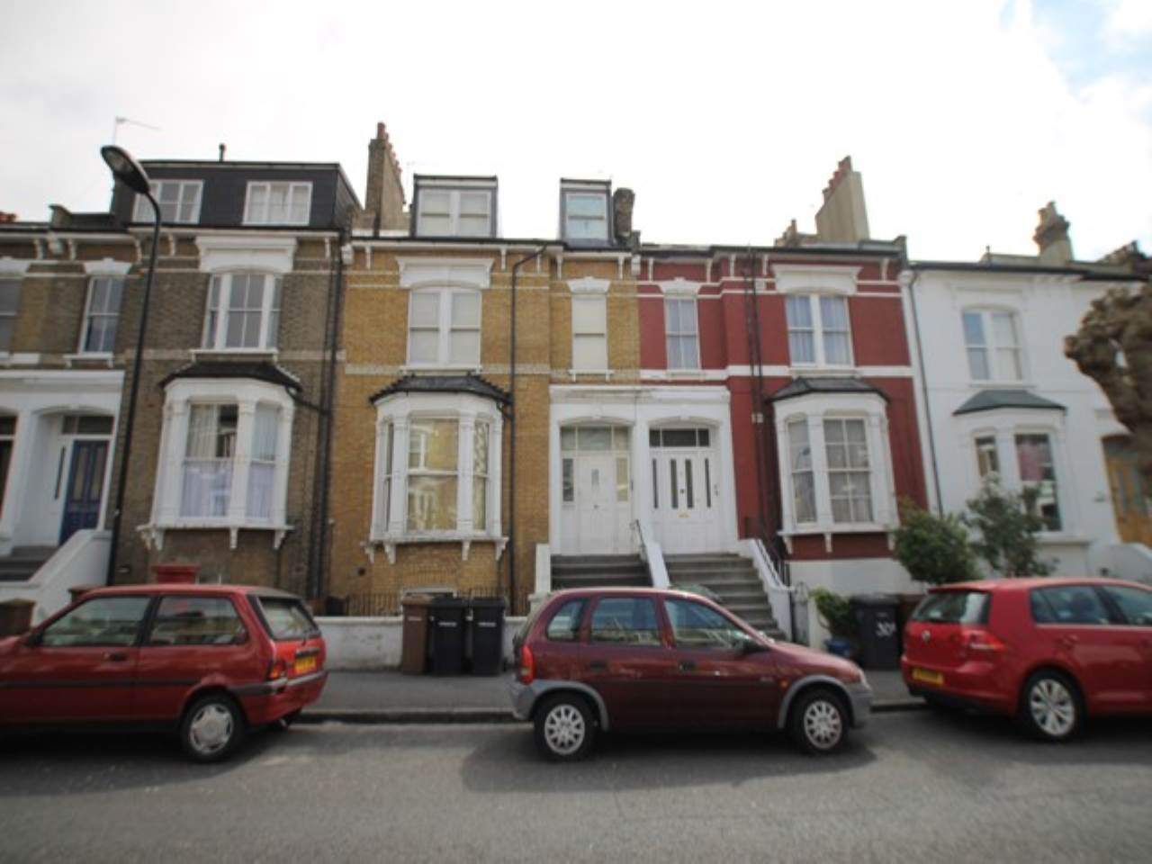 2 bed flat to rent in Alkham Road, Stoke Newington, N16