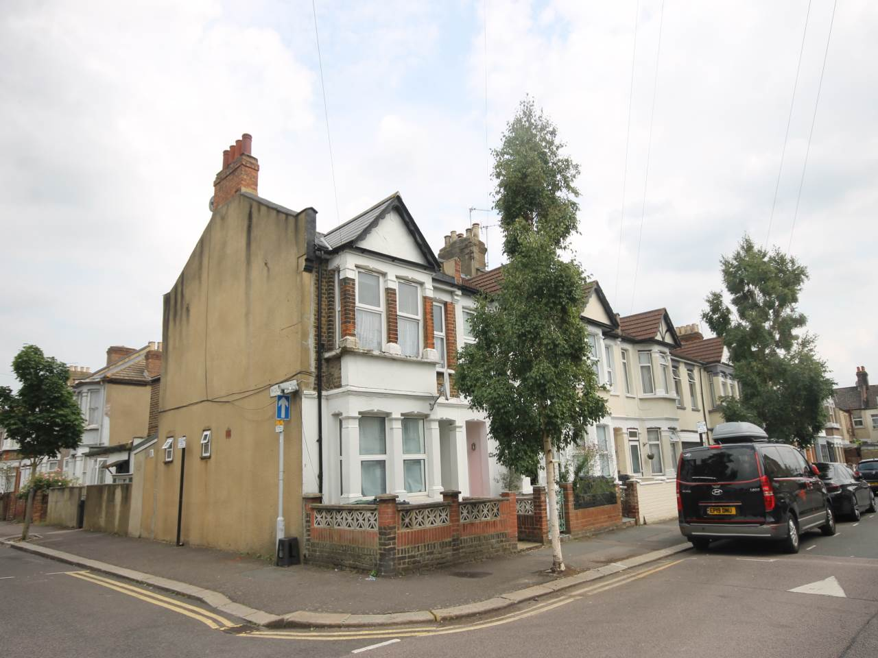 1 bed flat to rent in Rosebank Grove, Walthamstow, E17