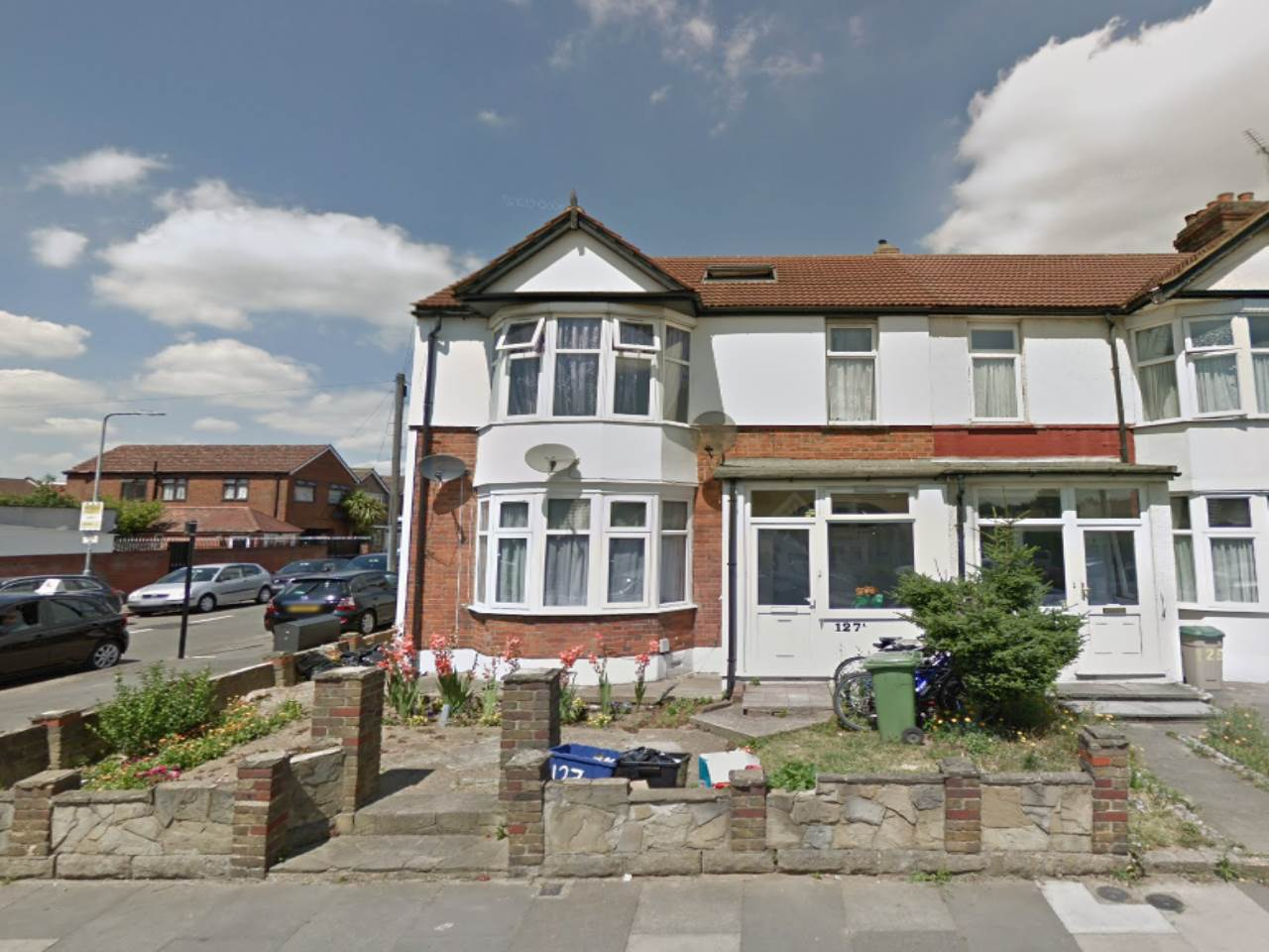 2 bed flat to rent in Breamore Road, Goodmayes, IG3