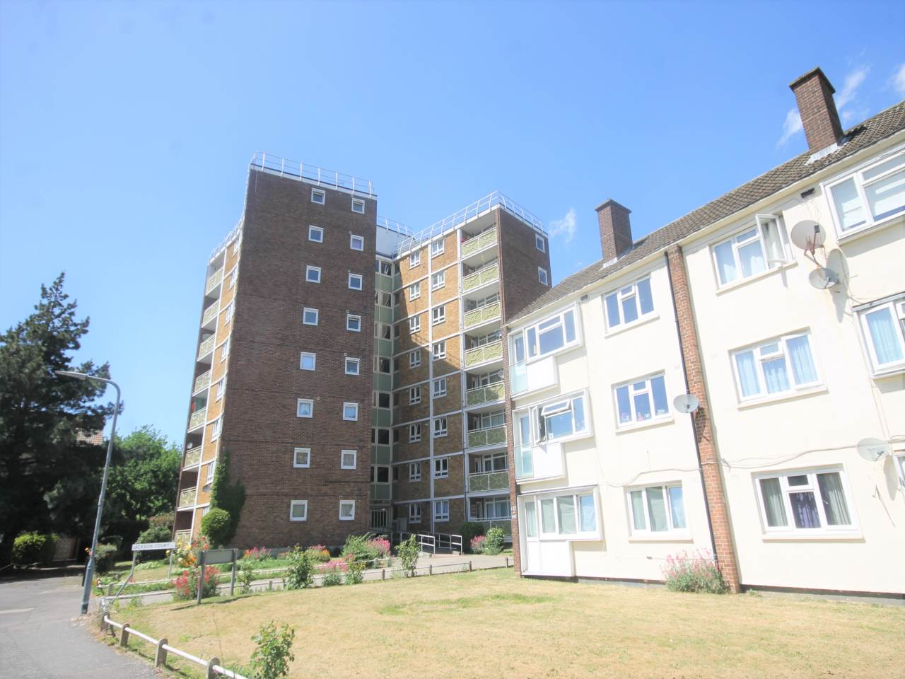 1 bed flat to rent in Brading Crescent, E11