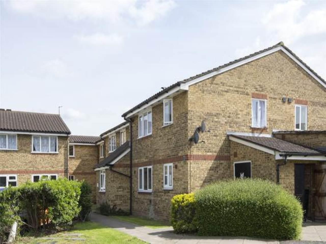 1 bed studio flat to rent in Yunus Khan Close, Walthamstow, E17