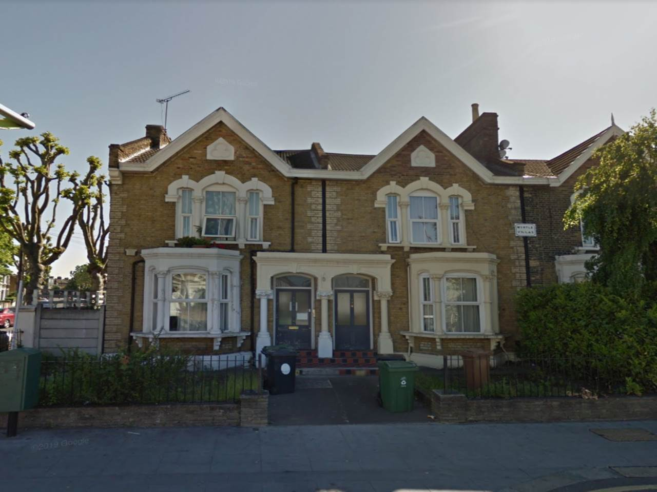 2 bed flat to rent in Leyton, E10