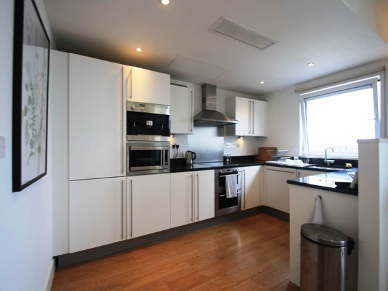 2 bed flat to rent in Albert Basin Way, E16