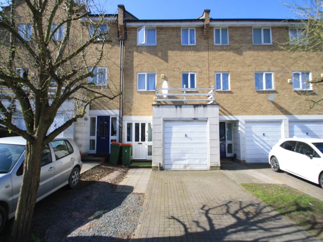 4 bed house to rent in Swansea Court, E16