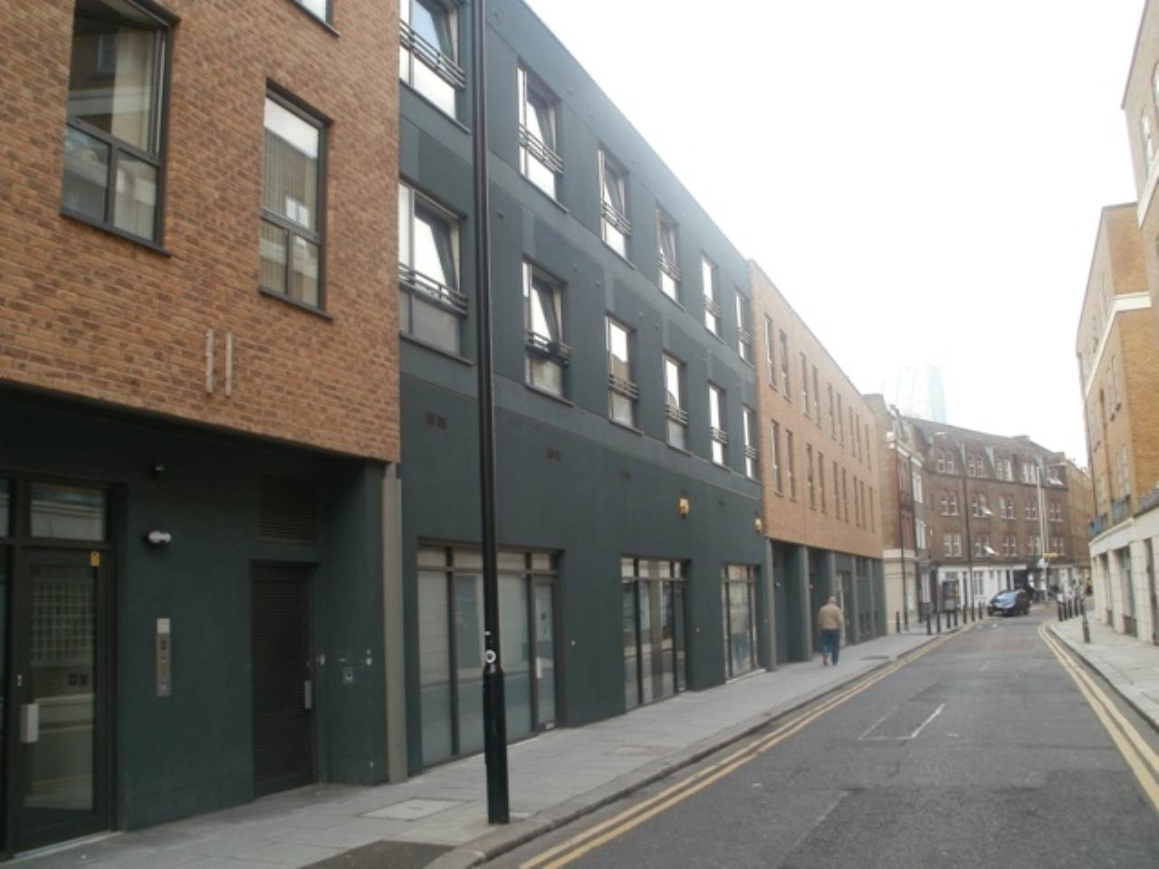 2 bed flat to rent in Cheshire Street 0