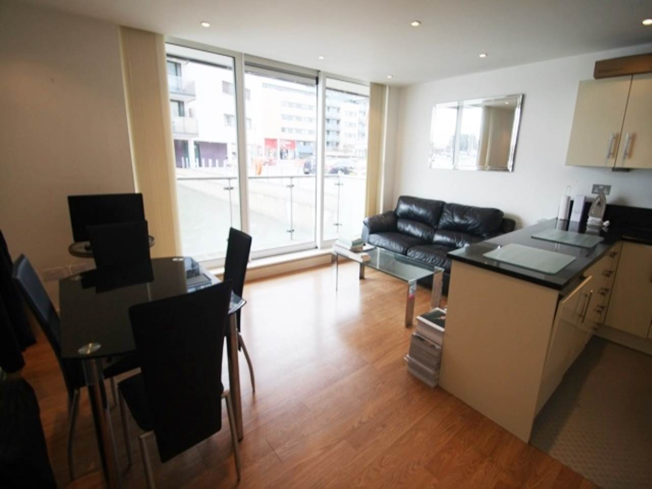 1 bed flat to rent in Royal Docks, E16
