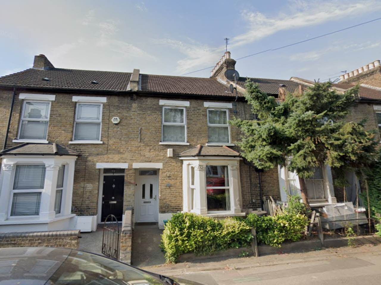 2 bed flat to rent in Granville Road, South Woodford, E18