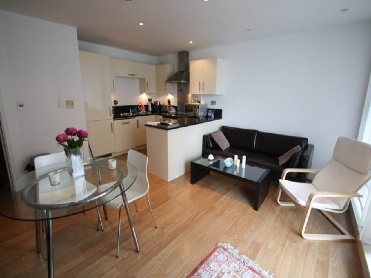 1 bed flat to rent in Docklands, E16
